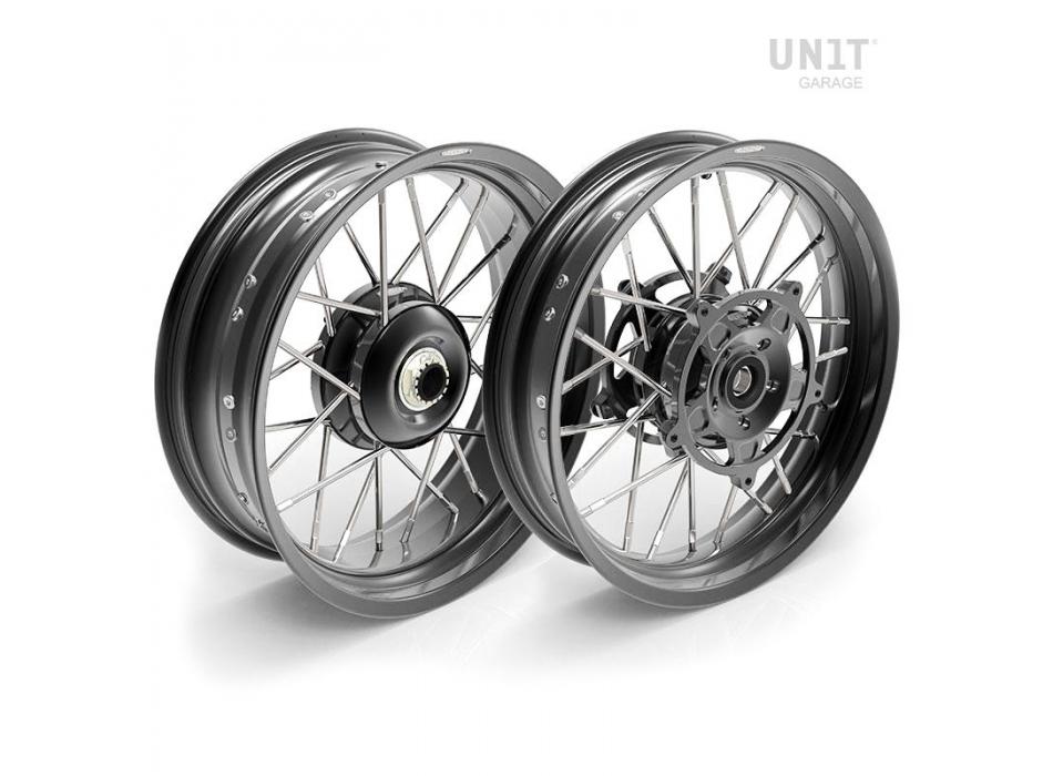 Par de ruedas de radios NineT Racer y Pure 24M9