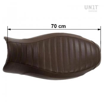 Silla de montar larga en cuero marrón